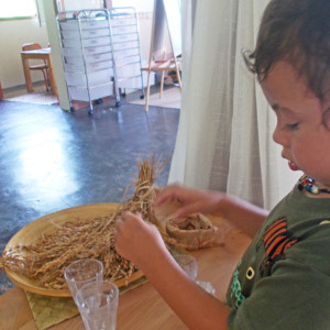 Preschool-Class-Exploring-with-Balinese-Rice